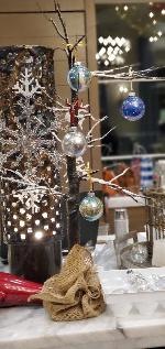 Ornament Decorating Photo Thumbail